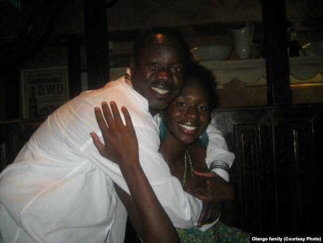 Alfred Olango and his sister Victoria.