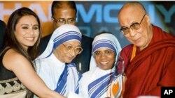 達賴喇嘛11月18日在印度接受頒發社會正義獎