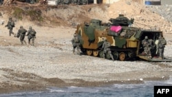 지난 2018년 5월 한국 포항에서 미-한 해병대가 연합훈련을 실시했다.