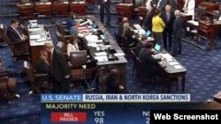 27일 미국 상원이 러시아와 이란, 북한에 대한 새로운 제재 법안을 찬성 98표, 반대 2표의 압도적인 표차로 승인했다. C-SPAN 웹 중계화면.