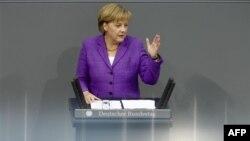 Angela Merkel govori o evropskoj finansijskoj krizi