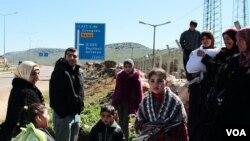 Ribuan warga Suriah melarikan diri dari negaranya sejak penumpasan oleh pasukan pemerintah.