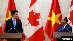 Thủ tướng Canada Justin Trudeau trong lễ đón tiếp tại Phủ thủ tướng ở Hà Nội. Thủ tướng Canada đã nêu vấn đền nhân quyền trong cuộc gặp với Thủ tướng Phúc hôm 8/11.