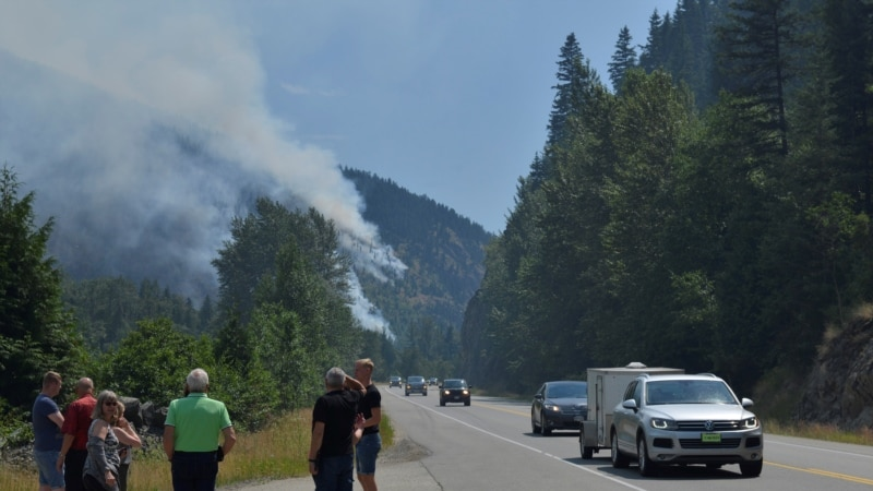کینیڈا: جنگل میں لگی آگ بجھانے کے لیے فوج طلب