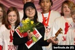 حنا مخملباف،در سال ۲۰۰۸ جایزه خرس بلورین «نسل ها» را از جشنواره فیلم برلین دریافت کرد