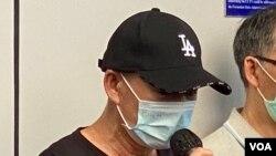 被拘留深圳港人李子賢父親促請港府直接與12港人家屬對話,提供相片、書信等實質證據,證明12港人目前確實在鹽田看守所被拘留。(美國之音湯惠芸)