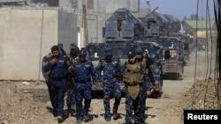 伊拉克安全部隊在摩蘇爾西邊與伊斯蘭國家武裝份子的戰鬥(2017年2月26日)