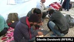 Migranti u kampu Vučjak