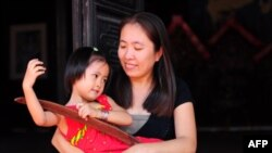 Blogger Mẹ Nấm sẽ tiếp tục viết lên những điều trăn trở của một công dân vì cho rằng đó là trách nhiệm của một người Mẹ.