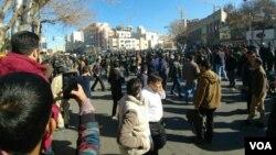 عکس ارسالی یکی از کاربران به صدای آمریکا از تجمع روز پنجشنبه در مشهد.