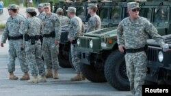 8月18日國民警衛隊抵達密蘇里州弗格森幫助平息民間騷亂。
