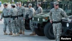 Lực lượng Vệ binh Quốc gia được điều động đến Ferguson, Missouri, ngày 18/8/2014.