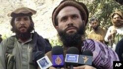 Líder de um grupo Talibã paqusitanês Mulah Dadullah (arquivo)
