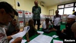 印尼總統大選繼續進行點票工作