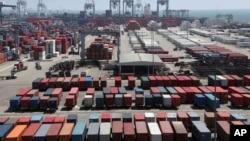 California eyaletindeki Long Beach limanı