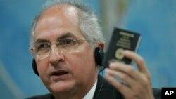 Foto de 2009 del alcalde de Caracas, Antonio Ledesma, acusado formalmente de conspiración para la rebelión.