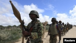소말리아에 파병된 아프리카연합 평화유지군이 모가디슈 외곽 마을을 순찰하고 있다. (자료사진)