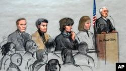지난달 1월 미 연방법원 보스턴 지원에 출석한 보스턴 마라톤 대회 테러 용의자 조하르 차르나예프(왼쪽 세번째). (자료사진)