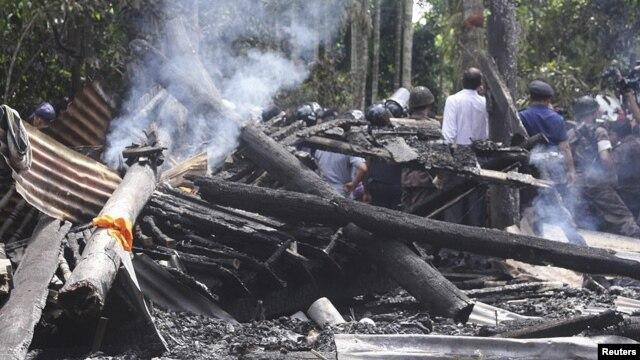 Một ngôi chùa bị người Hồi giáo Bangladesh đốt cháy tại khu vực Cox's Bazaar