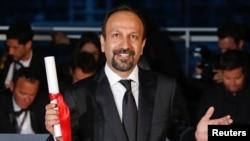 """Asghar Farhadi, sutradara pemenang Oscar dari Iran untuk film """"Forushande"""" (The Salesman) di Cannesm Perancism 22 Mei 2016 (REUTERS/Jean-Paul Pelissier)."""