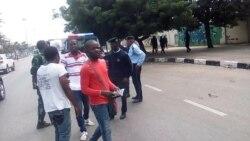 """Bloqueada manifestação em Luanda - activista diz que não há mudança, """"há abertura estratégica"""""""
