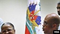 Ayiti-Eleksyon: Kritik Kont Kandida a Laprezidans yo