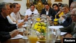 La Mesa de la Unidad Democrática declaró congelado el diálogo hace un mes a falta de gestos del Gobierno.