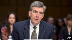 Wakil Direktur Badan Keamanan Nasional AS (NSA) John C. Inglis memberikan keterangan di depan komite Senat AS mengenai program pengintaian (31/7).