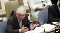 Hervé Ladsous, Under-Secretary-General for Peacekeeping Operations, presents to the Security Council the Secretary-General's report on the situation in Abyei, Sudan, October 6, 2011.