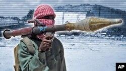 Một chiến binh al-Shabab trong một buổi diễn tập ở ngoại ô Mogadishu, Somalia.