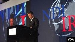 前北約秘書長安德斯·福格·拉斯穆森星期二在美國民主研究會和國際共和研究所共同主辦的研討會上發表演講。(美國之音斯洋拍攝)