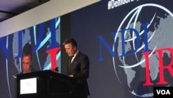 前北约秘书长安德斯·福格·拉斯穆森星期二在美国民主研究会和国际共和研究所共同主办的研讨会上发表演讲。(美国之音斯洋拍摄)