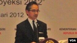 Menteri Luar Negeri Marty Natalegawa menyampaikan pidato awal tahun di Jakarta (4/1).