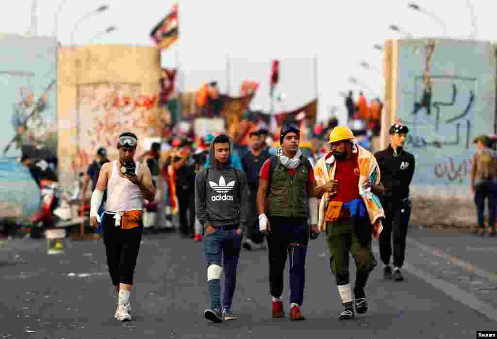 امریکی خبر رساں ادارے 'اے پی' کے مطابق کربلا میں مظاہرین حفاظتی بیریئر ہٹا کر قونصل خانے تک پہنچنے میں کامیاب ہوئے۔