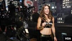 La popular entrenadora estadounidense Jillian Michaels, fue la celebridad elegida por la empresa GoDaddy.com para sus comerciales. La producción se realizó con el mismo equipo que se utiliza para hacer películas.
