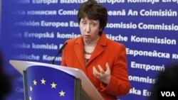 Kepala Kebijakan Luar Negeri Uni Eropa, Catherine Ashton mengecam RUU baru soal perluasan definisi makar di Rusia (foto: dok).