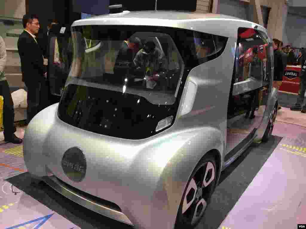 نمایشگاه محصولات الکترونیکی CES خودروی نسل آینده؛ خودروی برقی کمپانی یو آی سی