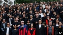 香港大學師生10月6日曾經發起黑衣學袍靜默遊行
