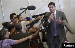 U.S. telecom Sprint Corp Chief Executive Marcelo Claure talks to the media in Havana, Cuba, Nov. 2, 2015.