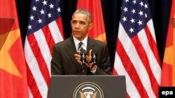 Tổng thống Mỹ Barack Obama phát biểu tại Trung tâm Hội nghị Quốc gia ở Hà Nội, ngày 24/5/2016.