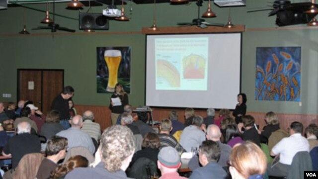 Salah satu acara Kafe Sains di restoran Schlafly Bottleworks, AS. (Foto: Dok)