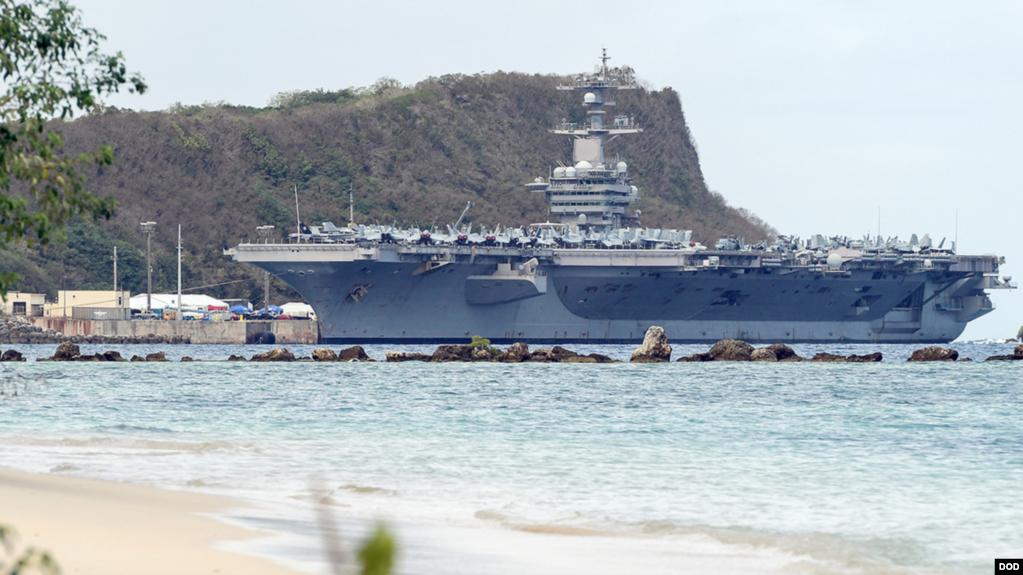 Tàu sân bay USS Carl Vinson ở đảo Guam.