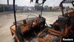 2014年6月10日塔利班武装分子袭击后的卡拉奇真纳国际机场停机坪