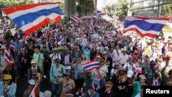 태국 방콕에서 15일에도 대규모 반정부 시위가 계속됐다.