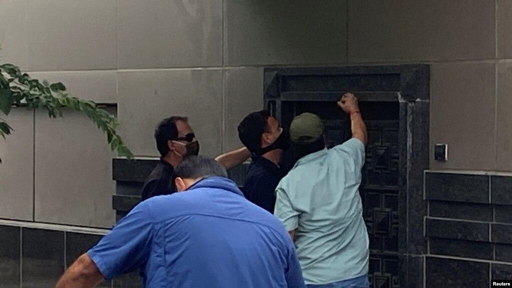 撬开后门进入 中国指责美方不当进入休斯顿领事馆