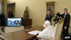 Një ekip astronautësh folën me Papën Benedikti XVI nga Stacioni Ndërkombëtar i Hapësirës