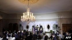 Обама: американским губернаторам предстоят трудные времена