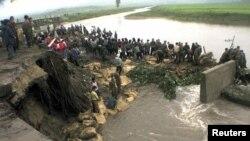 폭우로 유실된 북한의 도로