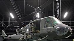 """Helikopteri """"Huey"""", ikonë e Luftës së Vietnamit. Helikopterët mbërritën në Vietnam më 1962 si ambulanca ajrore."""