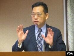 台灣執政黨國民黨立委吳育昇(美國之音張永泰拍攝)